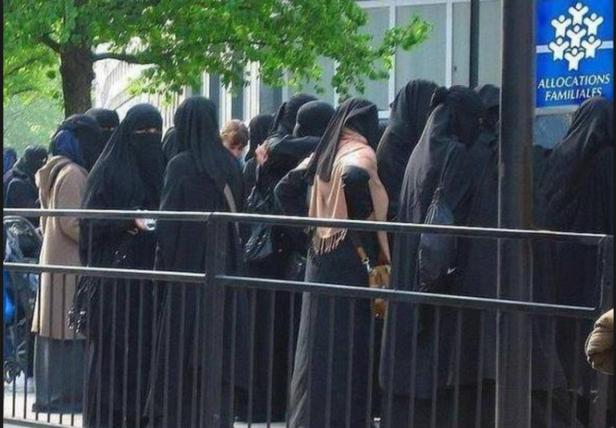 Muçulmanas Assistência Social